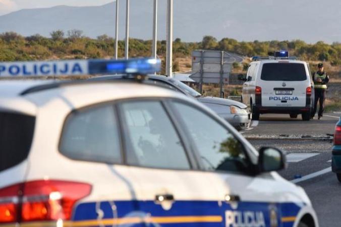Uhićena 28-godišnja vozačica koja je automobilom uletjela u kafić